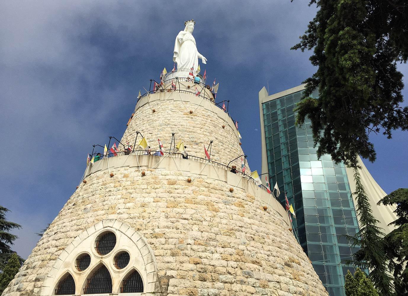 Our Lady of Lebanon heykeli Harissa Lübnan. Fotoğraf Umur Dilek