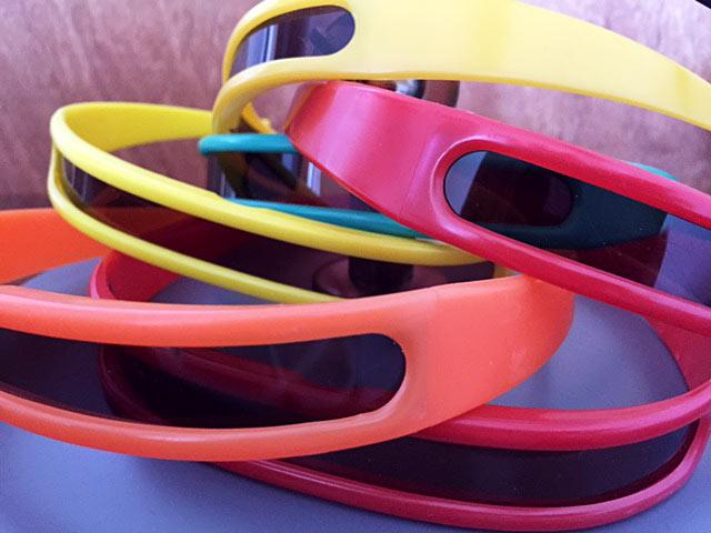 Renkli retro gözlukler