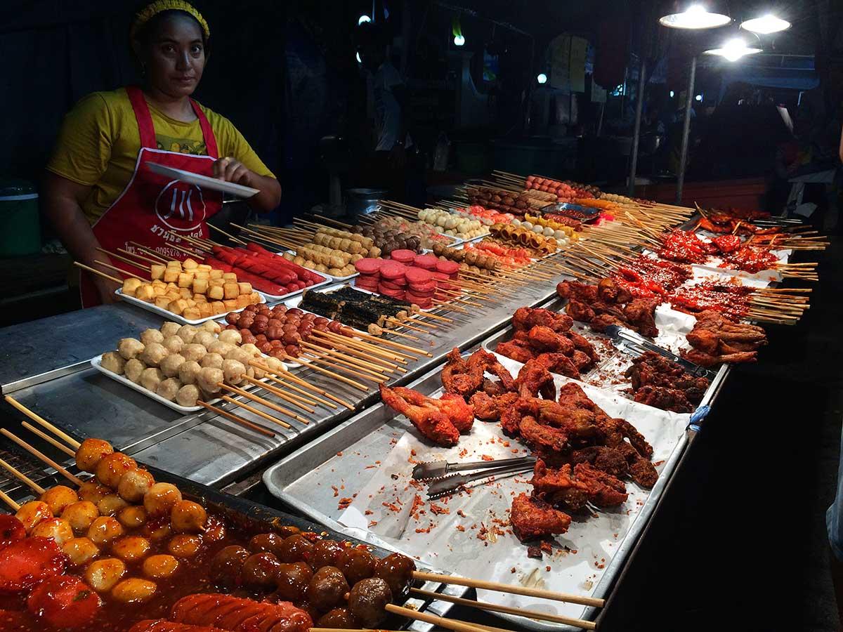 Phuket Old Town sokak yemekçileri, Tayland, Live Love Thank