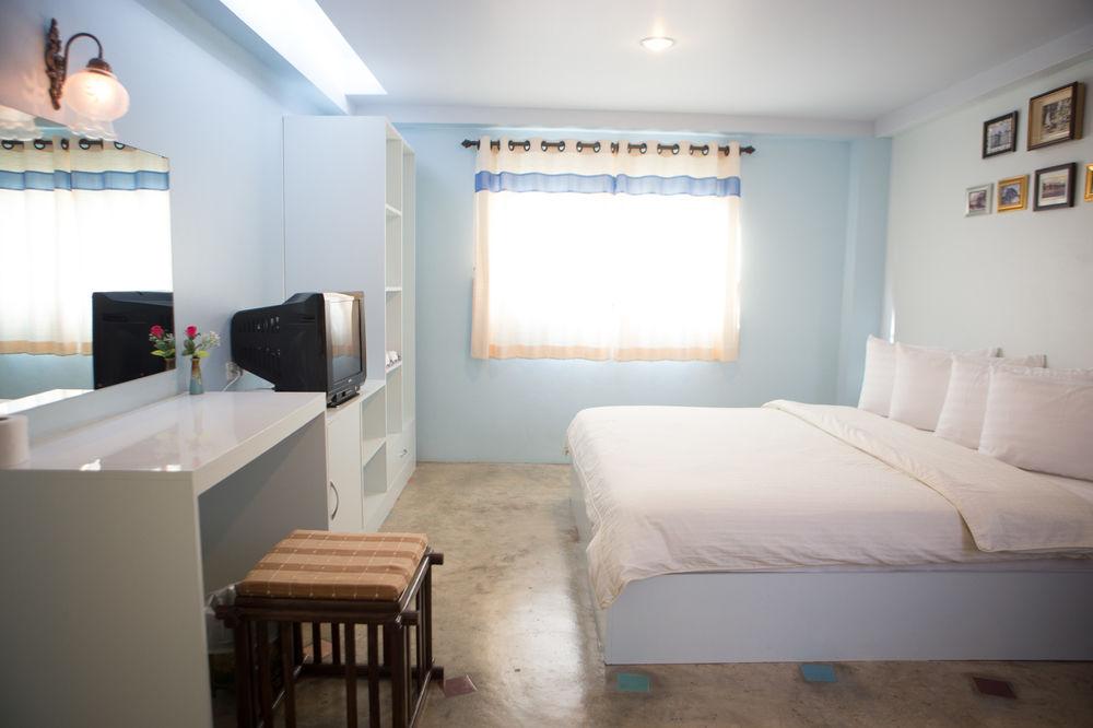 Dozy House, Tayland Otelleri