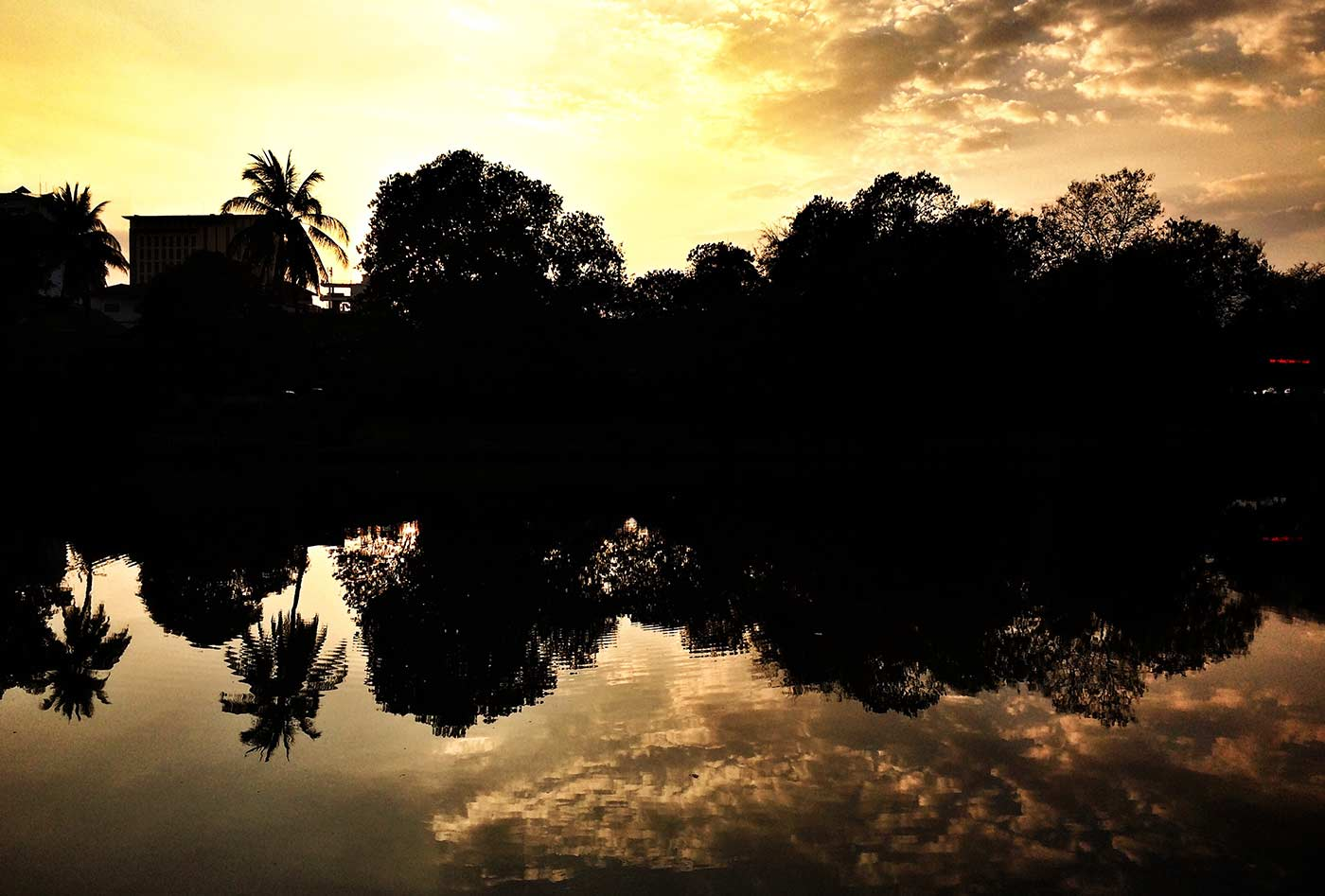 Chiang Mai surların batısında gün batımı