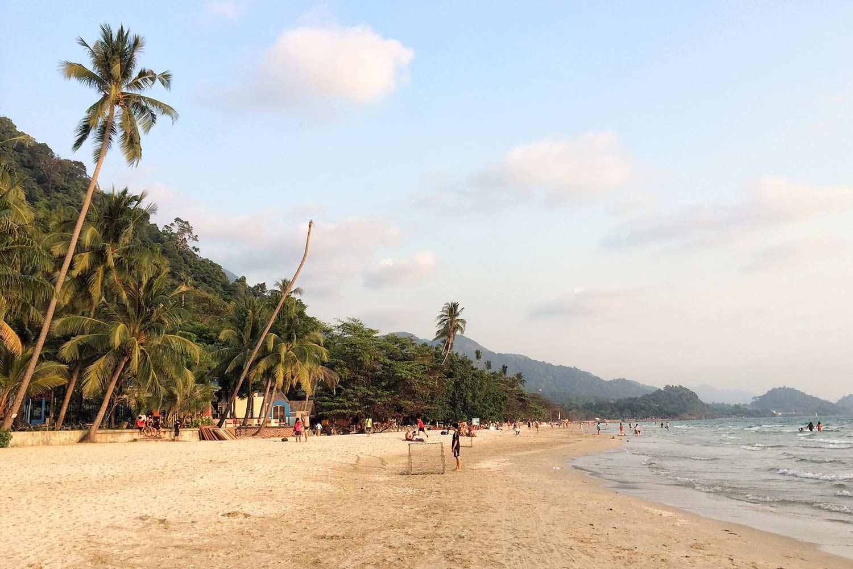 White beach, Koh Chang Tayland livelovethank.com