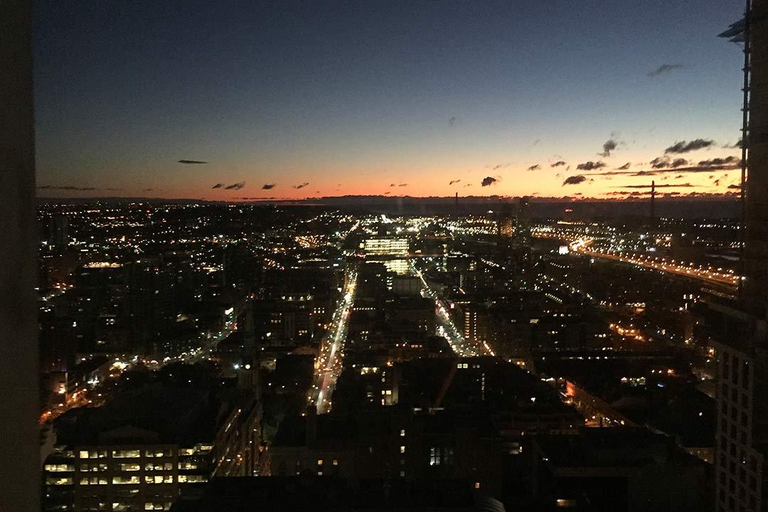 Otel Odasından Toronto Manzarası