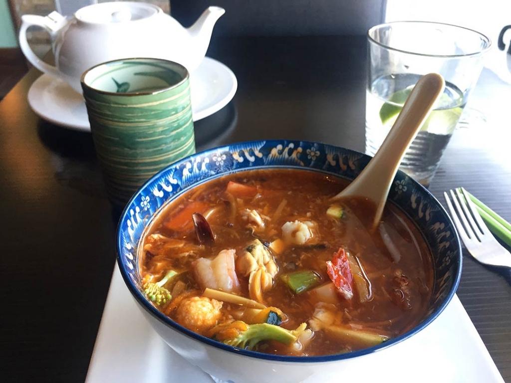 Çok kültürlü Kanada'da Körili Thai çorbası