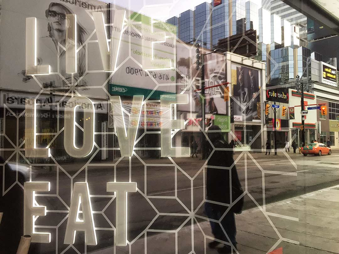 Live Love Eat, Toronto'da Kanada Tecrübesi
