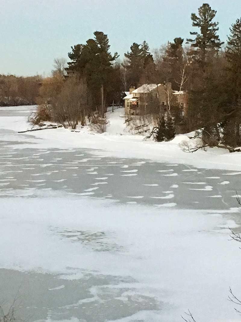 Donmuş nehir