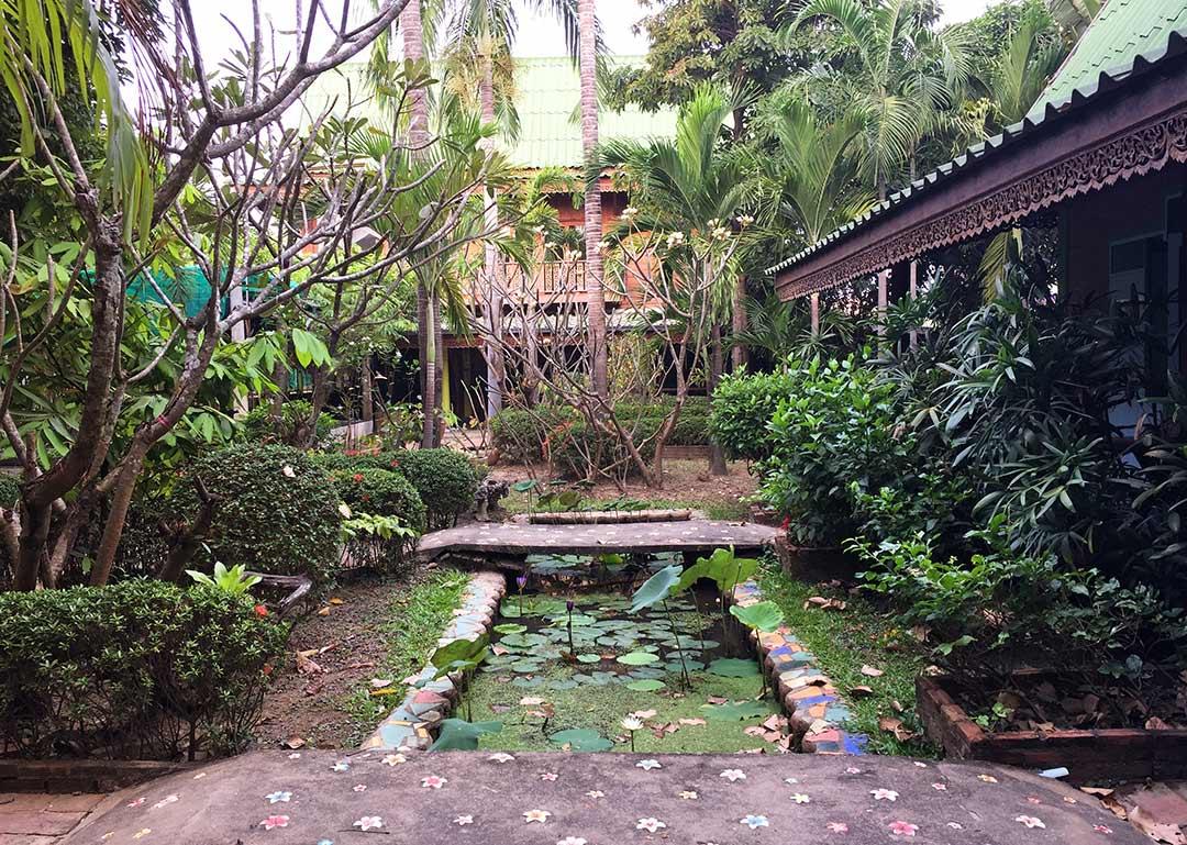 Orchid Hibiscus Hotel Sukhothai, arabayla Tayland
