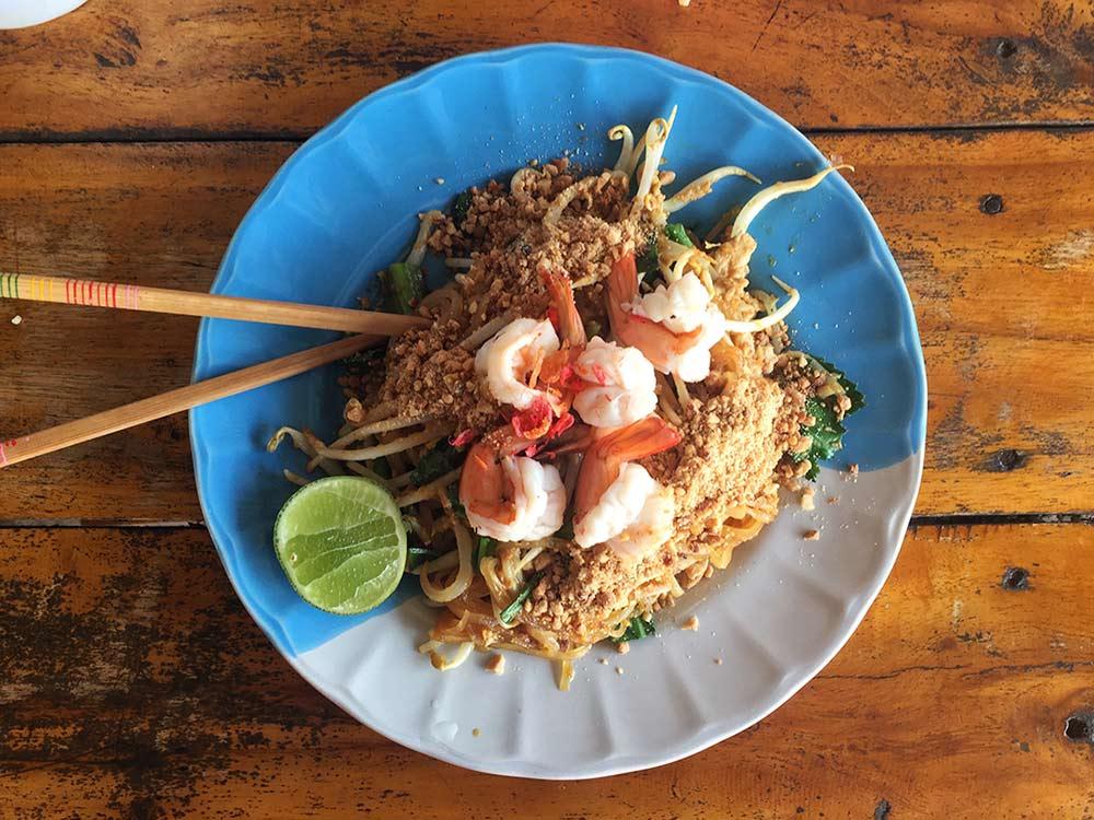Pad Thai, arabayla Tayland. Tayland'da yediğim en iyi 10 yemek