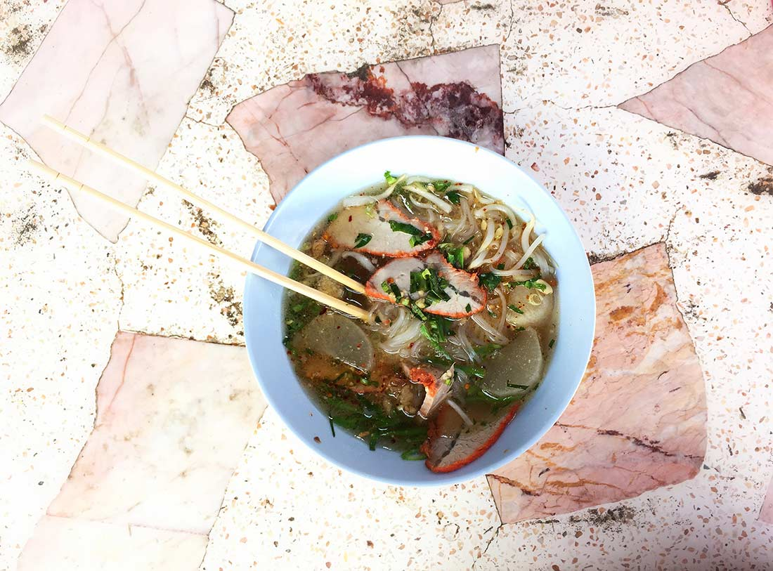 Sukhothai noodle çorbası