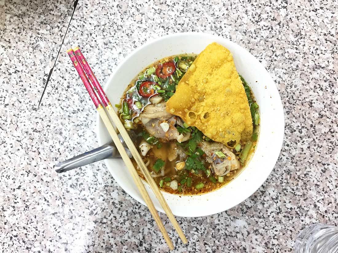 Tayland yemekleri ne yenir? Tom yam. Tayland'da yediğim en iyi 10 yemek