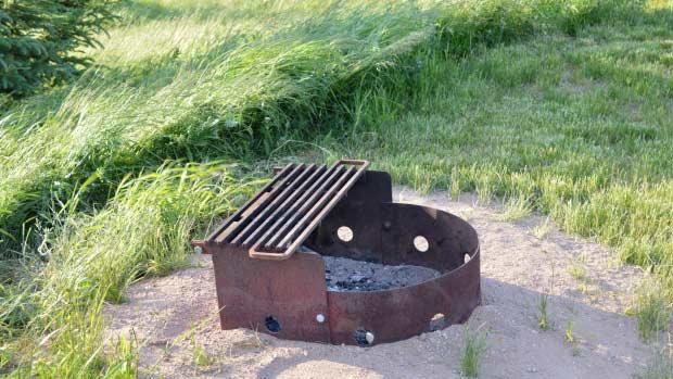 Fire pit Ontario kamp