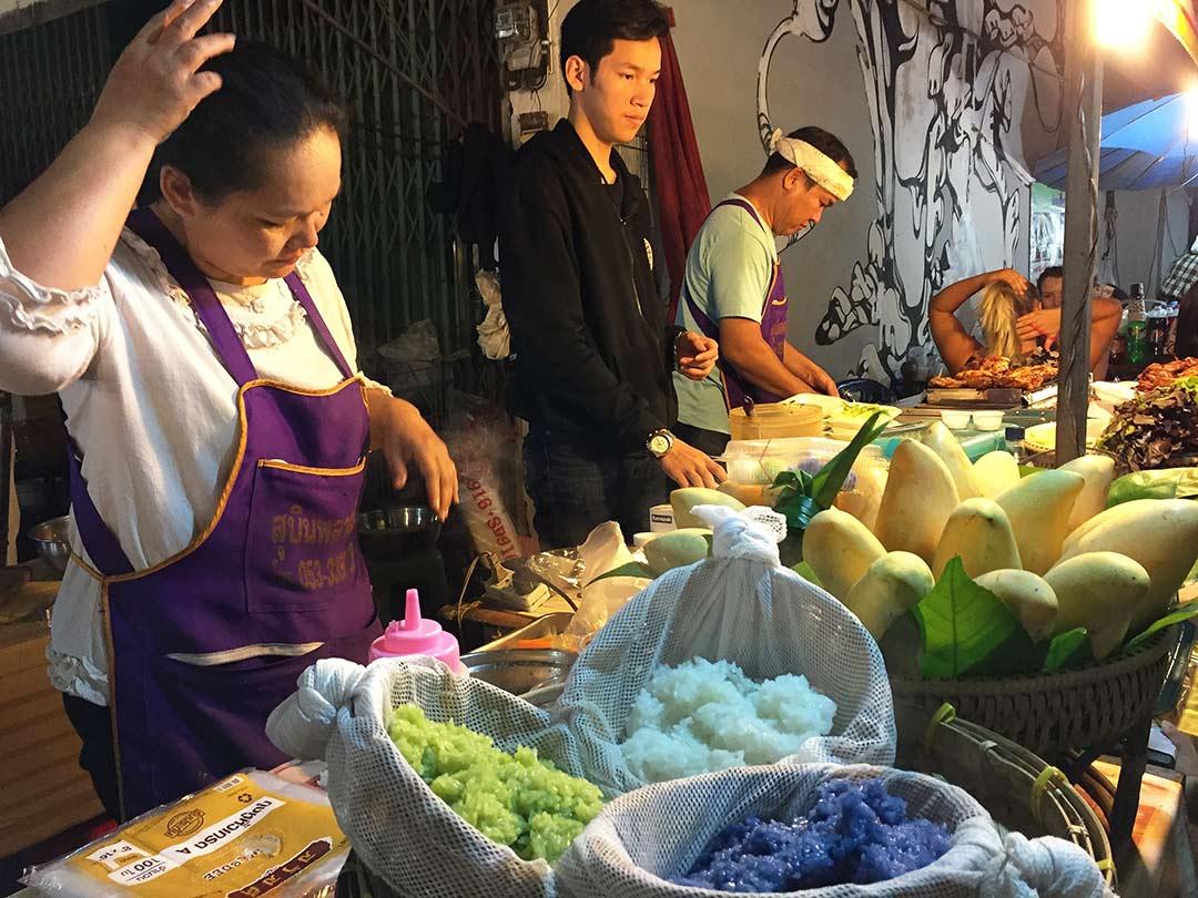 Sticky rice with mango tayland ne yenir yemek
