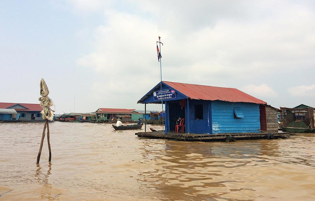 Yüzen köy, Su polisi tamirhanesi Tonle Sap